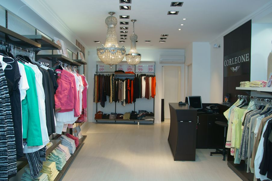 magasin de vetement pour femme. Black Bedroom Furniture Sets. Home Design Ideas